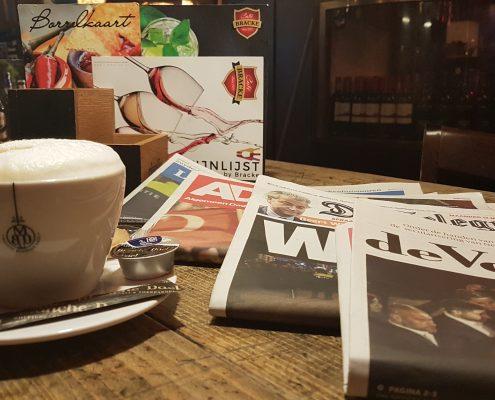 Er liggen dagelijks diverse kranten voor u klaar